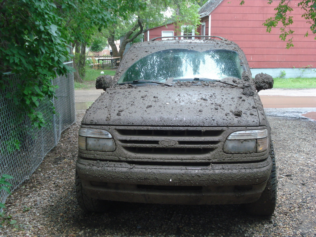 Specialized7 1999 Ford Explorer Sport