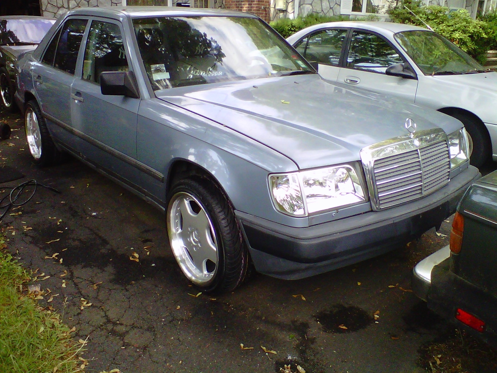 Another father1014 1987 Mercedes-Benz 300E post... - 13759876