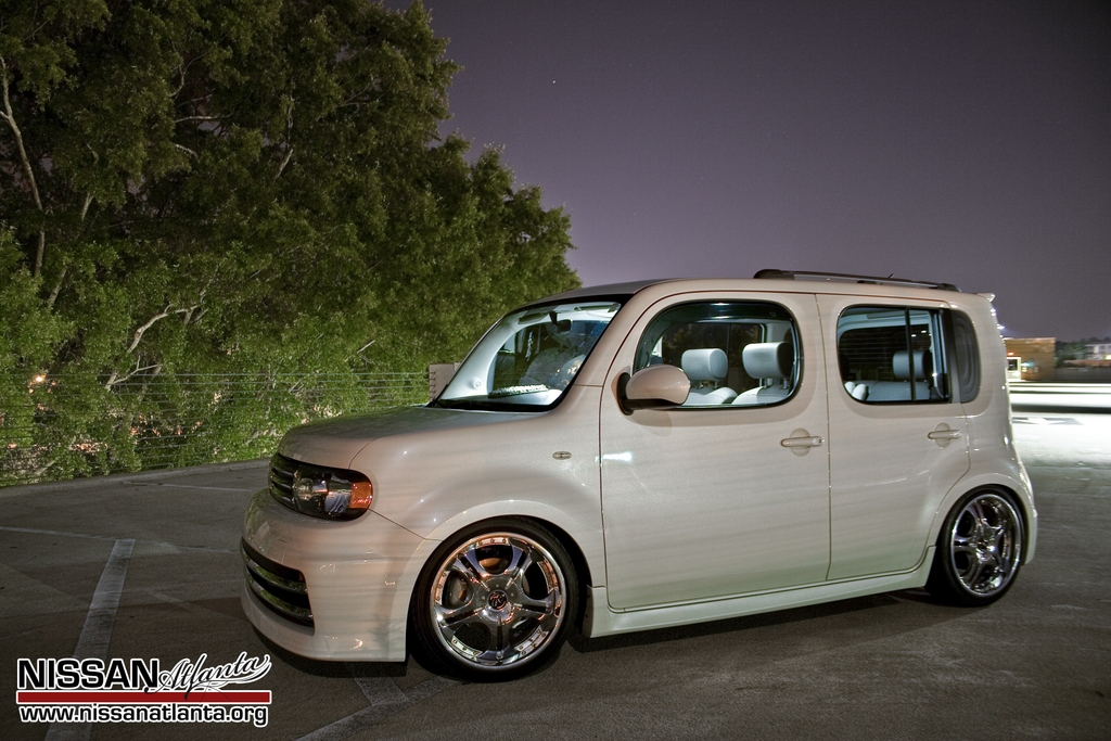 chomp sticks 39 s 2009 nissan cube in athens ga. Black Bedroom Furniture Sets. Home Design Ideas