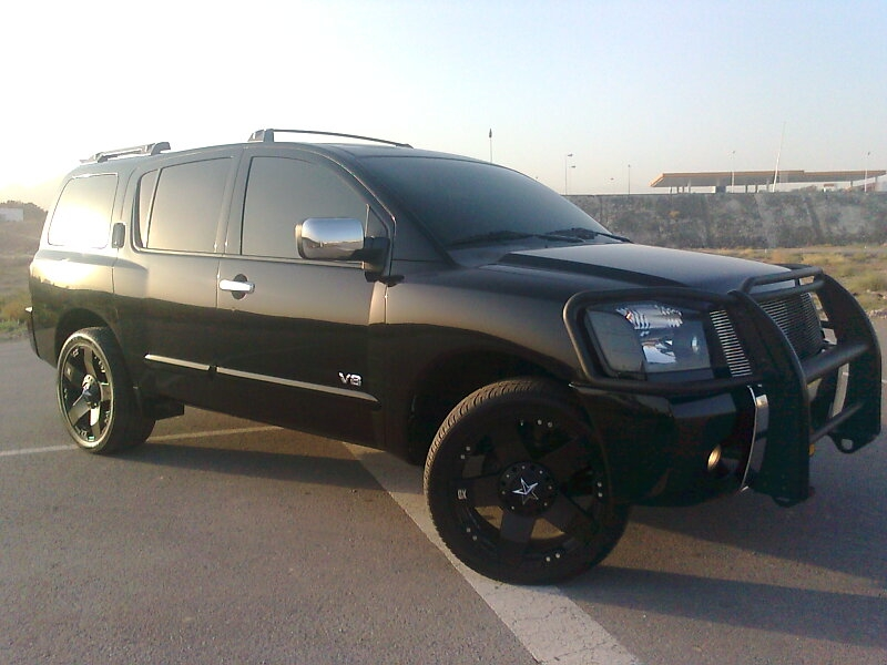 Customized 2006 nissan pathfinder