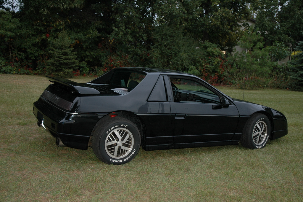 snapperhead perf 1985 pontiac fiero specs photos modification info at cardomain. Black Bedroom Furniture Sets. Home Design Ideas