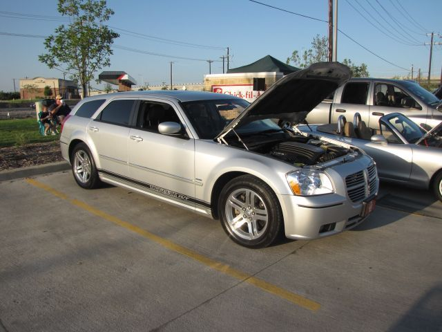 Another badnblue 2005 Dodge Magnum post... - 13412468