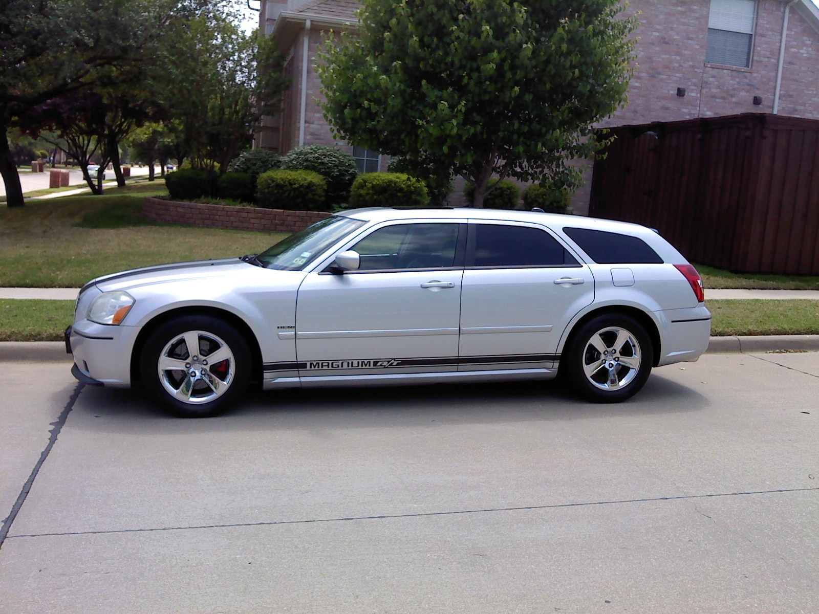 Another badnblue 2005 Dodge Magnum post... - 13412477