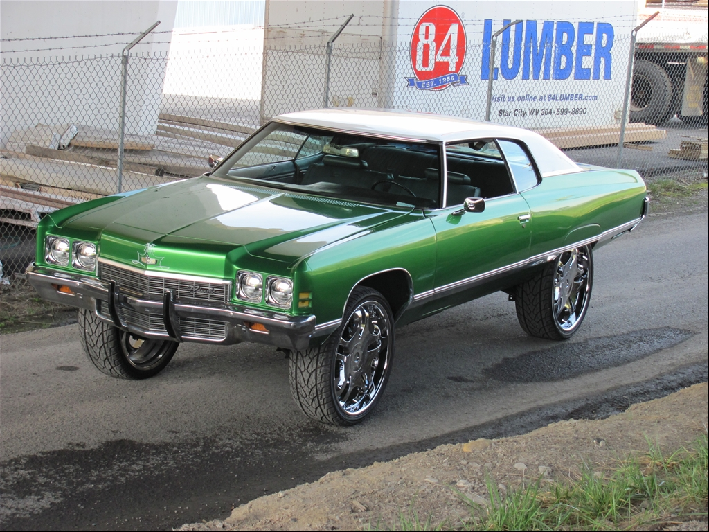 Donk On 26 S For Sale http://www.cardomain.com/ride/3383796/1972-chevrolet-caprice/
