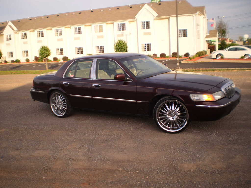 Nasa_fly_84 2001 mercury grand marquis