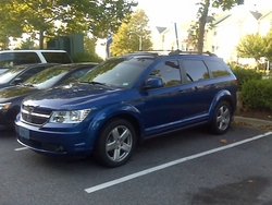 TayDeVille 2009 Dodge Journey