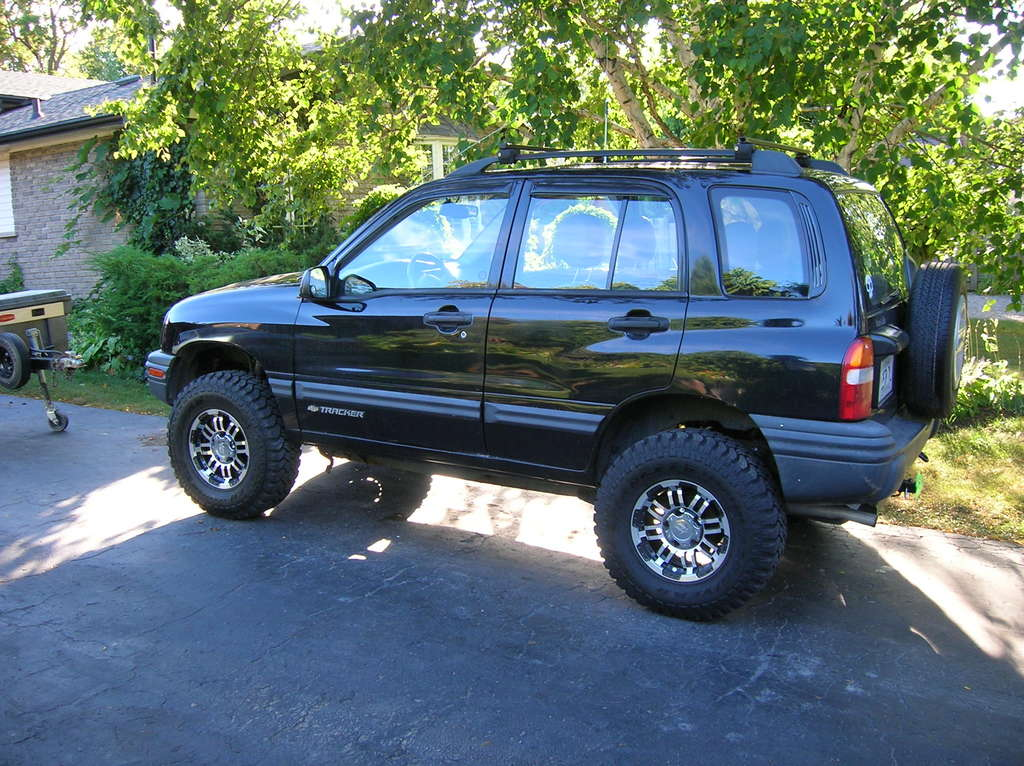 rnmartin30 2000 Chevrolet Tracker Specs Photos Modification Info