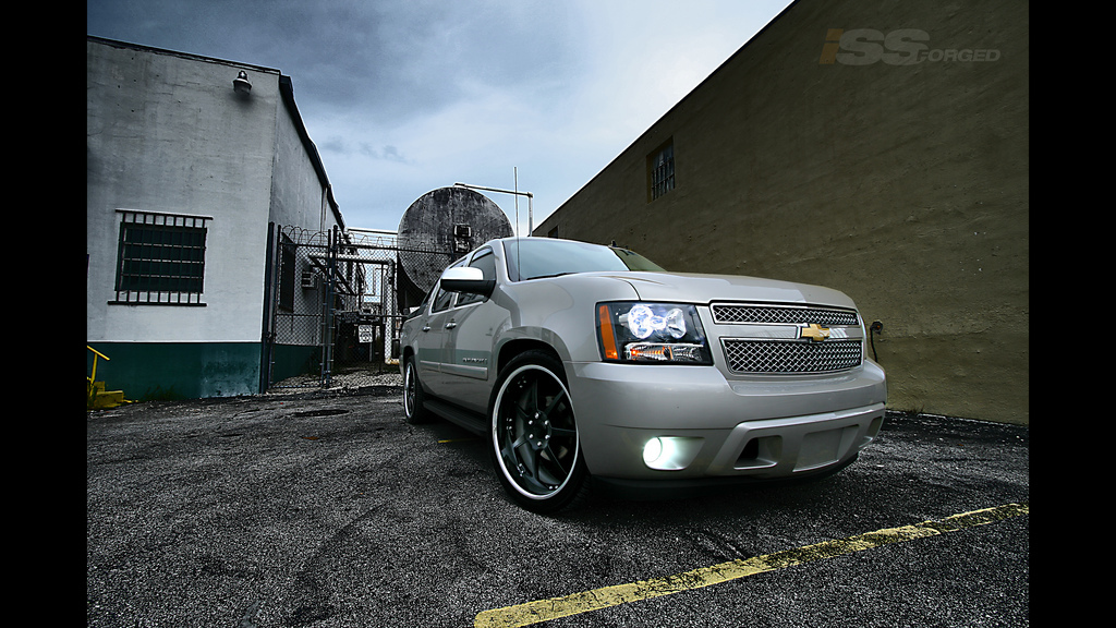 Another issforged 2008 Chevrolet Avalanche post... - 13797017
