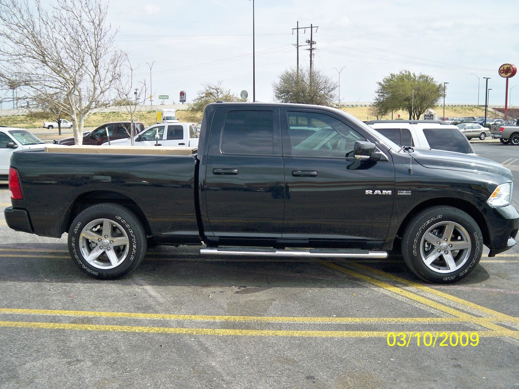 mikey1371 2009 dodge ram 1500 quad cab specs photos modification info at cardomain. Black Bedroom Furniture Sets. Home Design Ideas