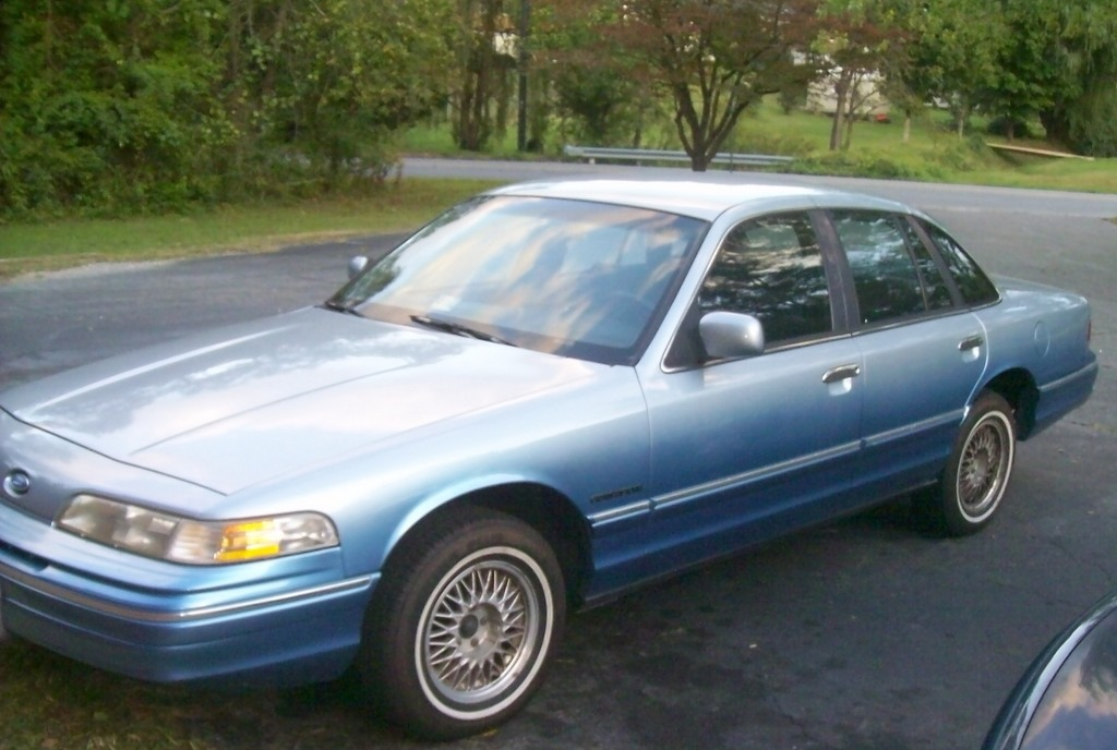 Another thorobredva 1992 Ford Crown Victoria post... - 13795936