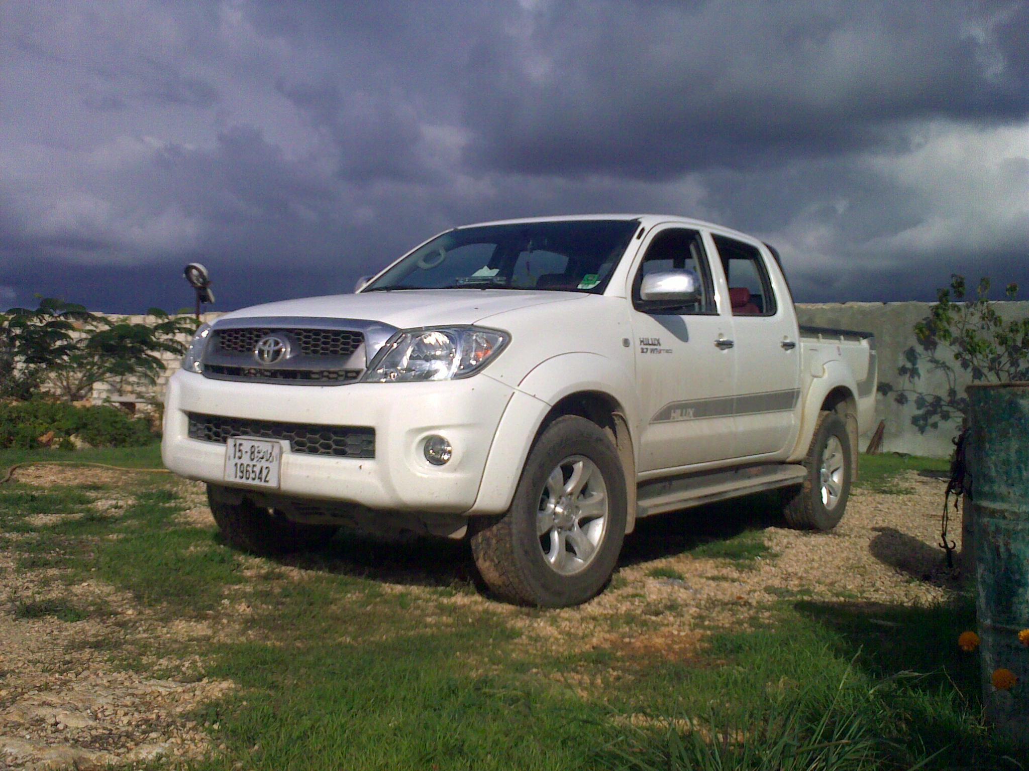 bat_night 2009 Toyota HiLux 13801940