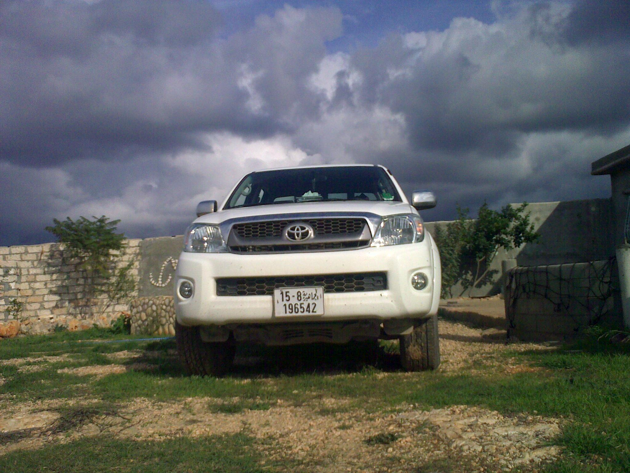 bat_night 2009 Toyota HiLux 13801941