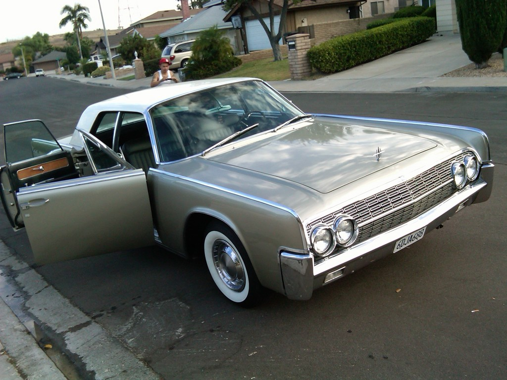sampionLine's 1962 Lincoln Continental