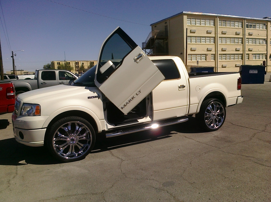 skiLT's 2008 Lincoln Mark LT in El Paso, TX