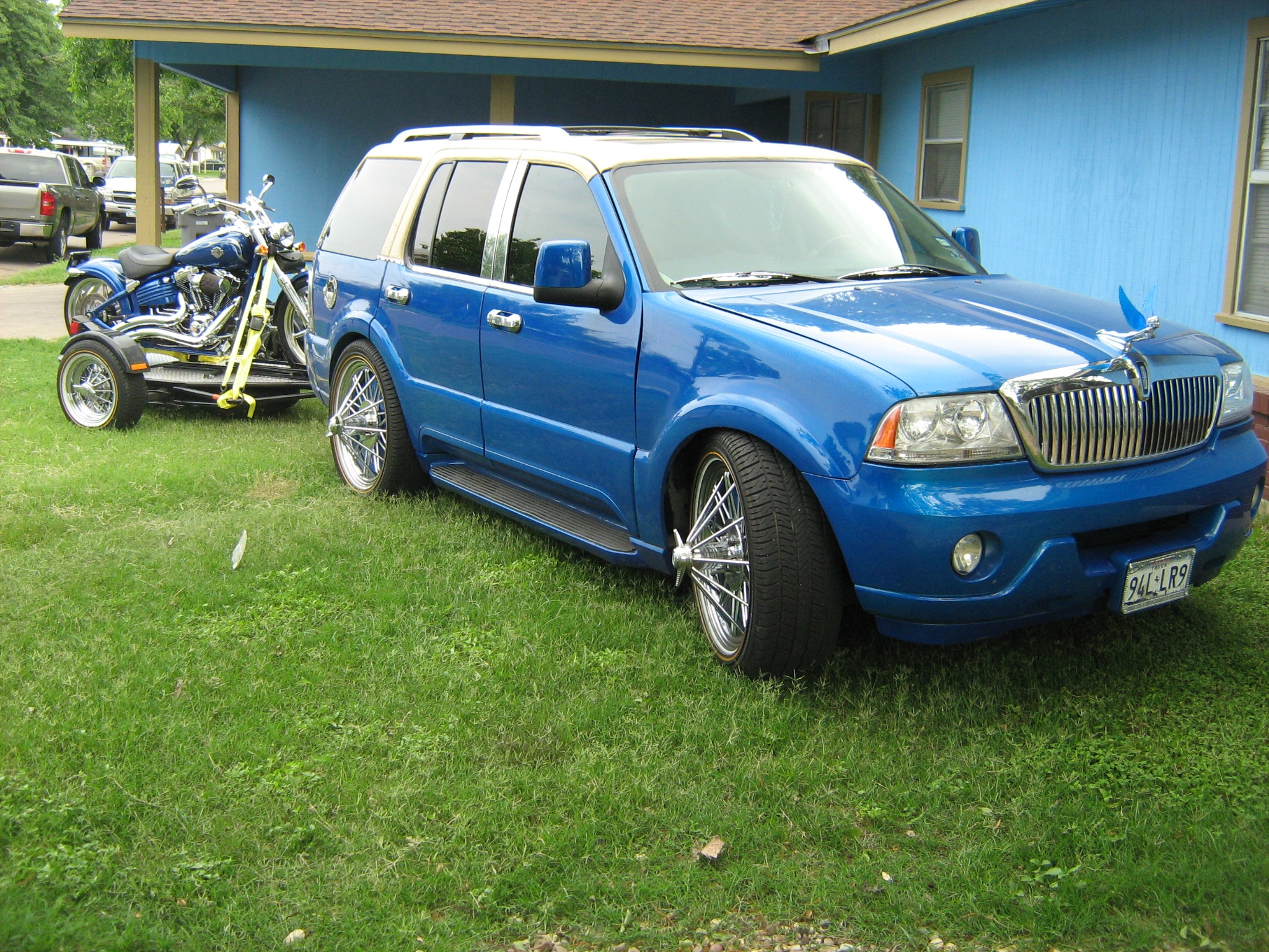 Calvinthagreat 2005 Lincoln Aviator 13811458