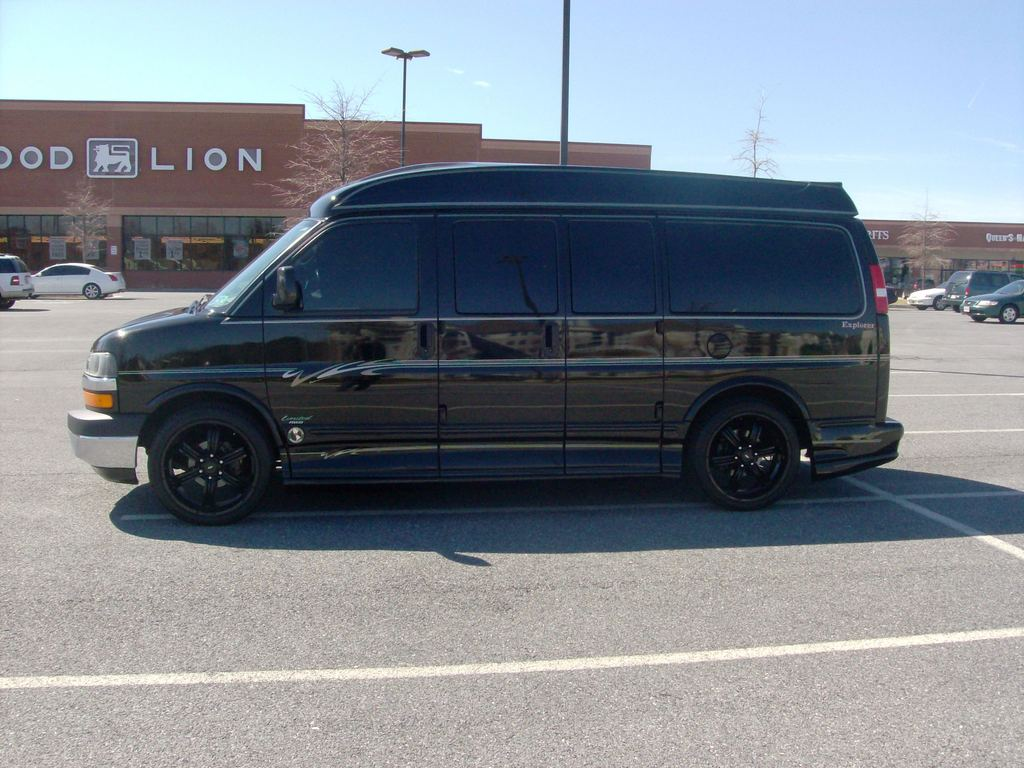 peter man 2007 chevrolet express 1500 cargo specs photos modification info at cardomain. Black Bedroom Furniture Sets. Home Design Ideas