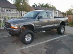 Medium on 2002 Dodge Dakota 3 Inch Lift Kit