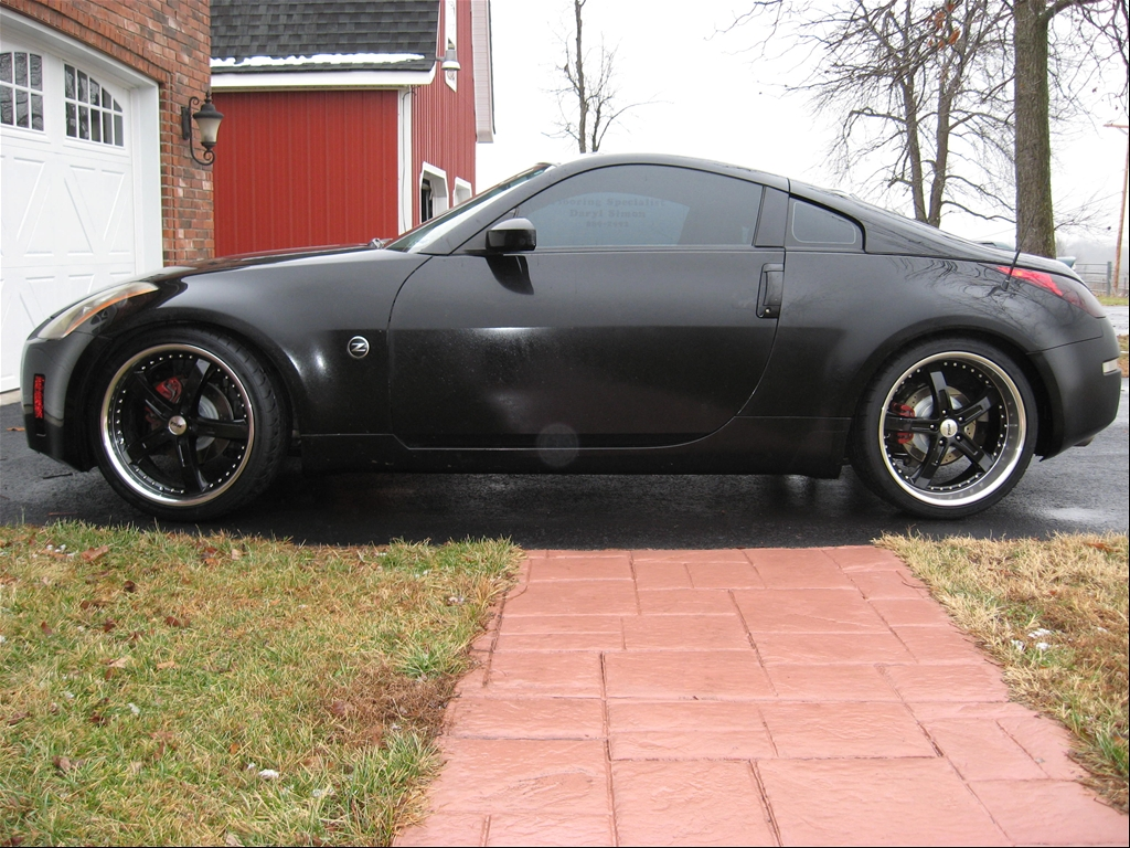 Black 350Z: Stock For Now