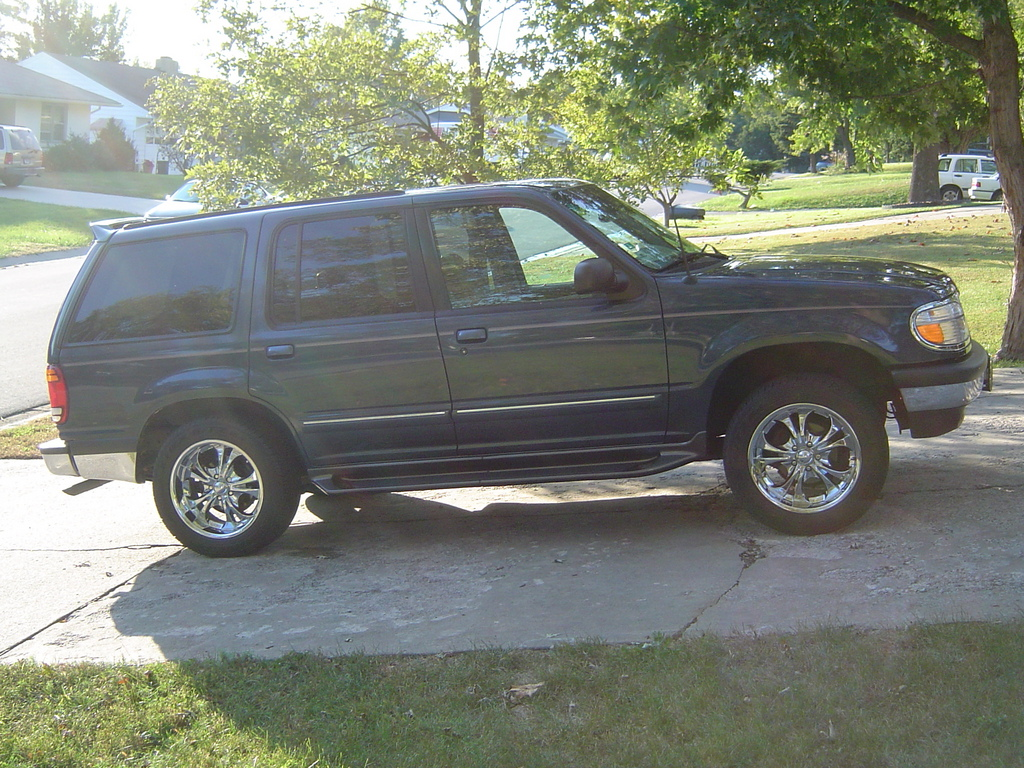 Another Blackhell05 1998 Ford Explorer post... - 13824611