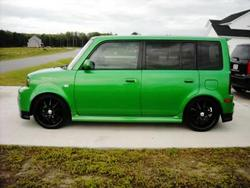 ilyelomans 2006 Scion xB