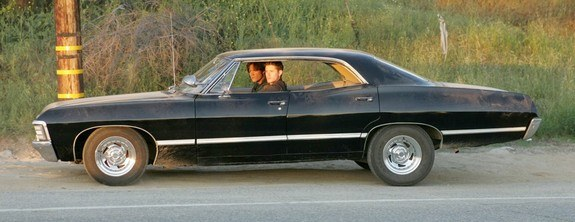 3 further 250565 Supernatural Impala besides Vintage Captain 1800 Portable Radio Amfm also G further 1967 Chevy Impala From Supernatural. on old am car radios