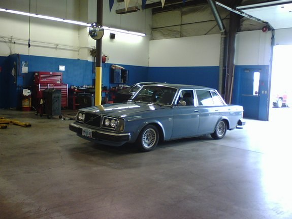 Dropped244 1979 Volvo 200-Series Specs, Photos, Modification Info at CarDomain