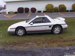 fiero_lifes 1984 Pontiac Fiero