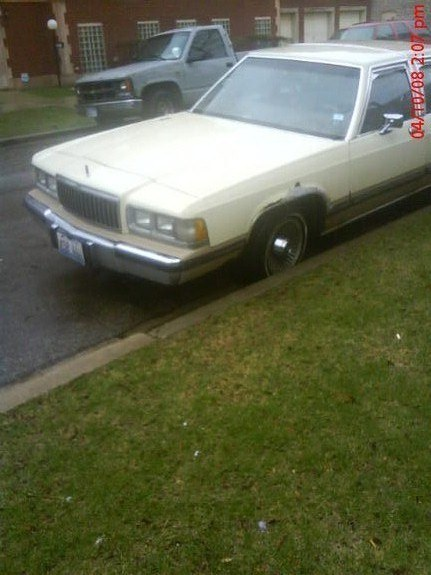 Another YOUNG_90 1989 Mercury Grand Marquis post... - 9597374