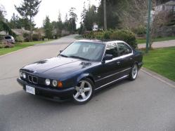 SolidGoldZ28s 1990 BMW 5 Series