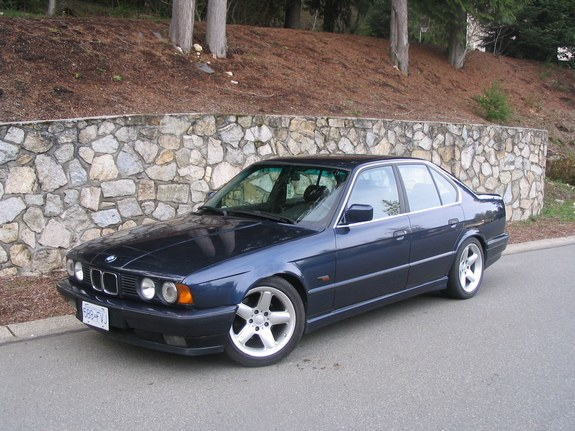 1980 bmw 318i for sale with 449435 Bmw 3181 1988 on Time Warp Specimen Blue Plate 1980 Bmw 320i as well 78389 Bmw E21 323i 5 Speed Manual Baur European Model Rhd Leather Sport Seats Lsd besides BMW E30 moreover 84 Riviera Fuse Box as well 2012 Bmw 3 Series Accessories.