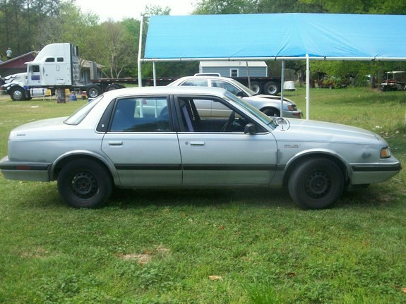 Kingquinn 1992 Oldsmobile Cutlass Ciera 25931800001 Large