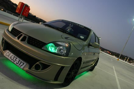 White Trash 2002 Renault Clio Specs Photos Modification