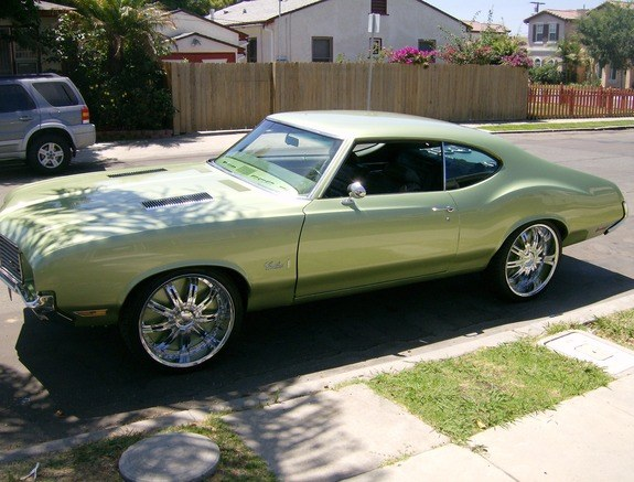 hustlehard 1972 Oldsmobile Cutlass 9643617