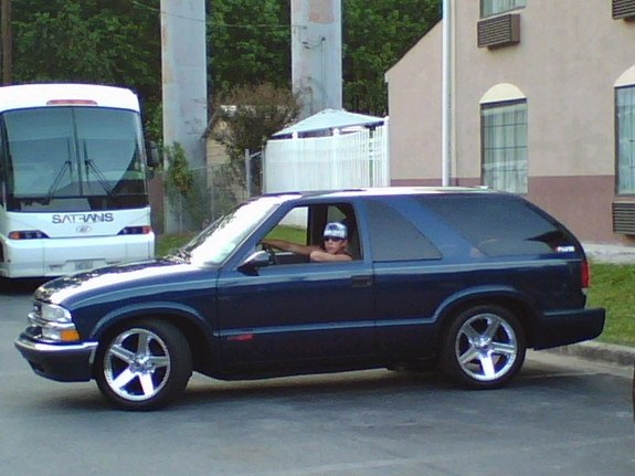 Blazin 08 2001 Chevrolet S10 Blazer Specs  Photos