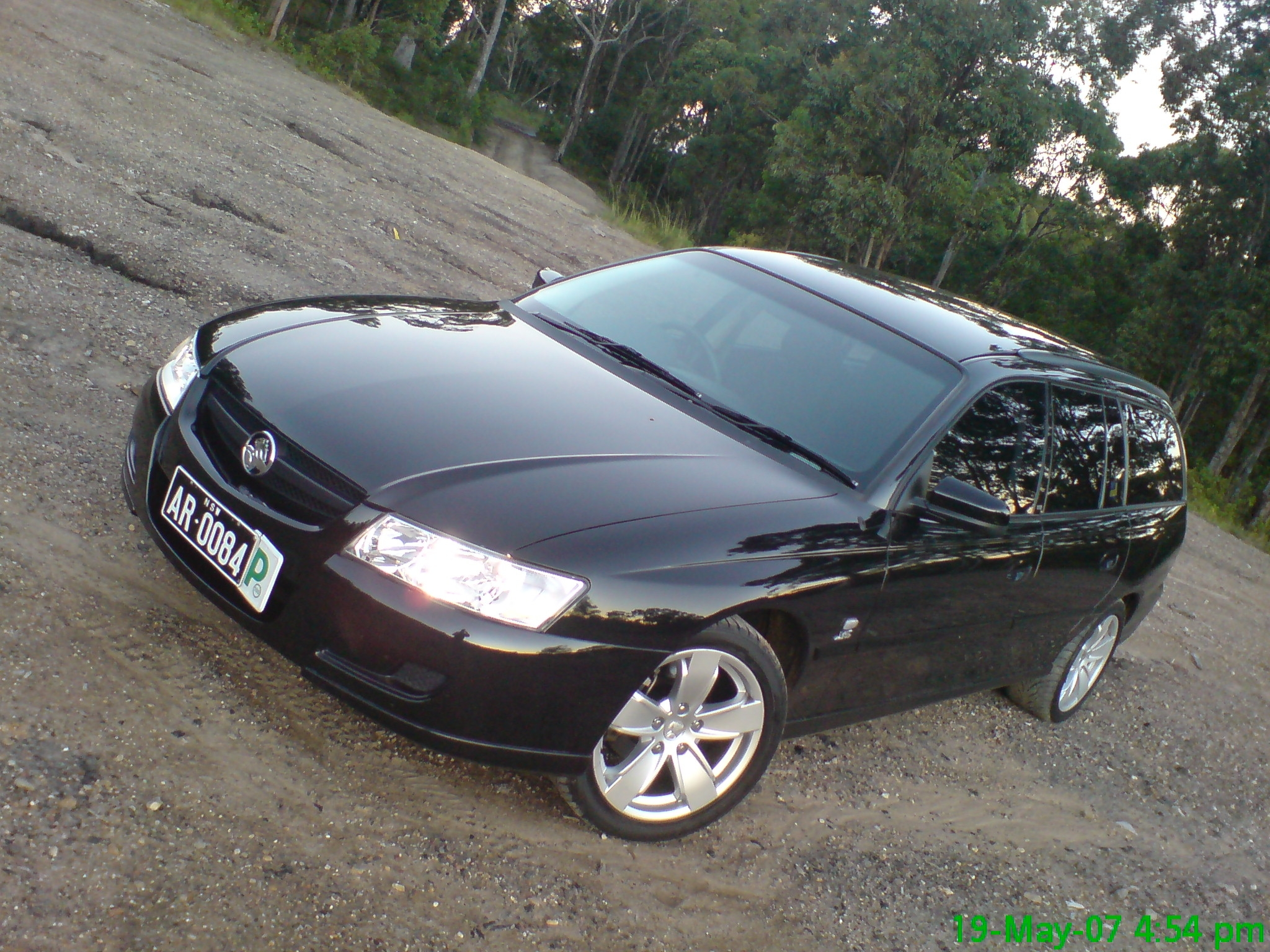 Another rambaugh 2006 Holden Commodore post... - 9834351