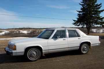 Another KoRn_ice 1990 Ford Crown Victoria post... - 10382739