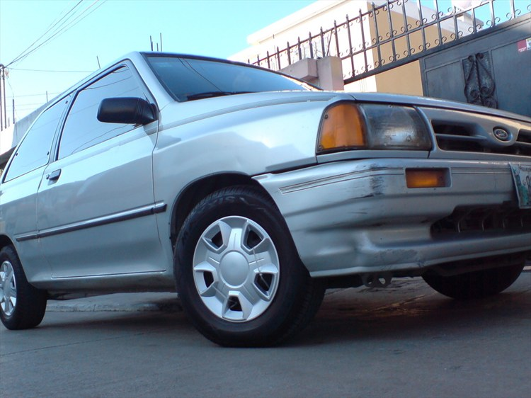alan_ride_aldana 1991 Ford Festiva 9851435