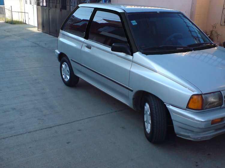 alan_ride_aldana 1991 Ford Festiva 9851436