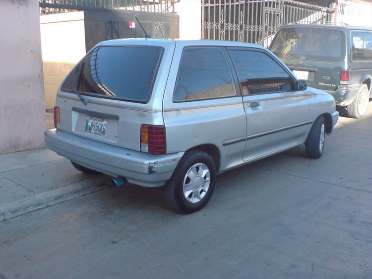 alan_ride_aldana 1991 Ford Festiva 9851437