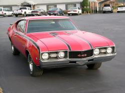 roneharrells 1968 Oldsmobile 442