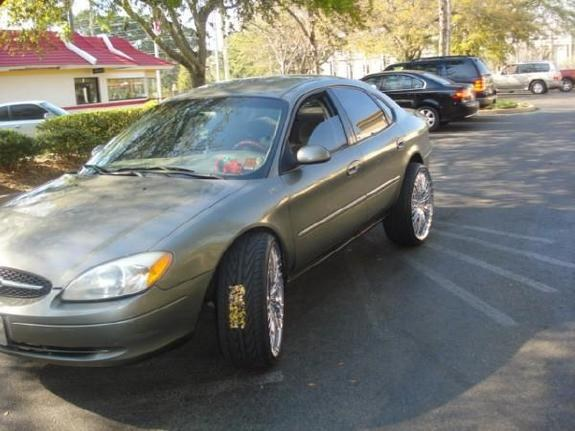 Cosby  Ford Taurus _large