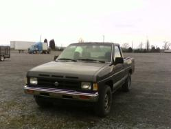 S10LOVER88s 1990 Nissan D21 Pick-Up