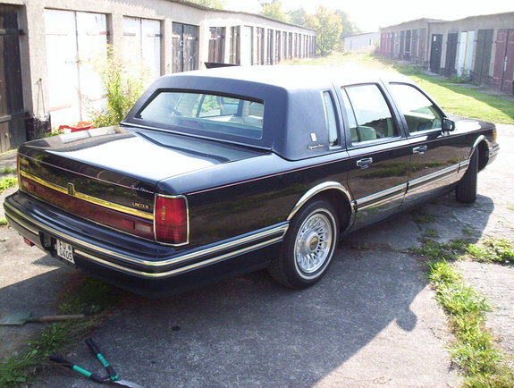 germantowncar 1994 lincoln town car specs photos. Black Bedroom Furniture Sets. Home Design Ideas