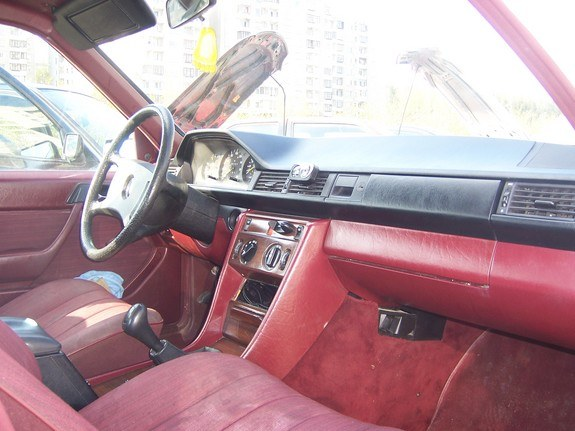 Another selter 1986 Mercedes-Benz 230 post... - 9908241