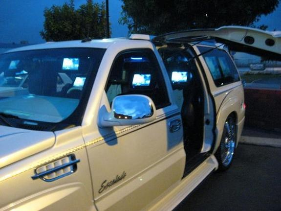 Another CHILUDOS2003 2003 Cadillac Escalade post... - 9937222
