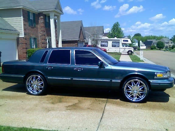 Rayclarkii 1996 Lincoln Town Car S Photo Gallery At Cardomain