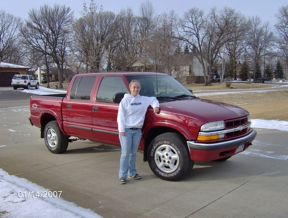 Andria32 S 2002 Chevrolet S10 Regular Cab In Duluth Mn