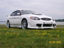headfake86s 2002 Ford Taurus