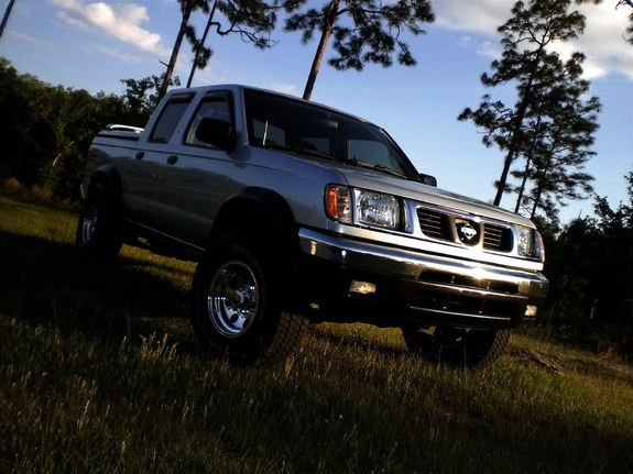 greenbeanag 2000 nissan frontier regular cab specs photos modification info at cardomain. Black Bedroom Furniture Sets. Home Design Ideas