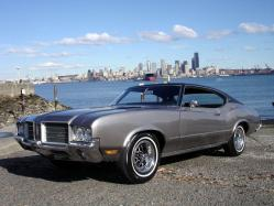 URNVSs 1971 Oldsmobile Cutlass Supreme